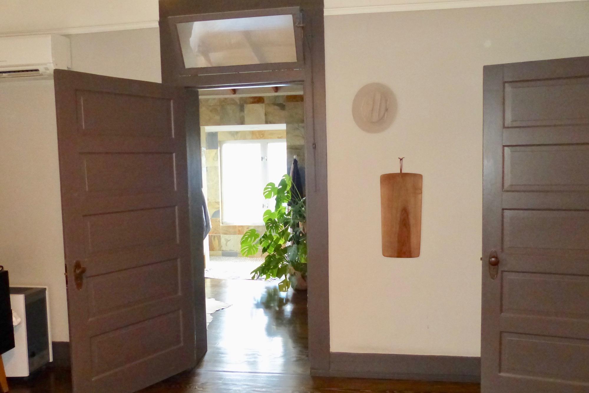 Doortobath.jpg