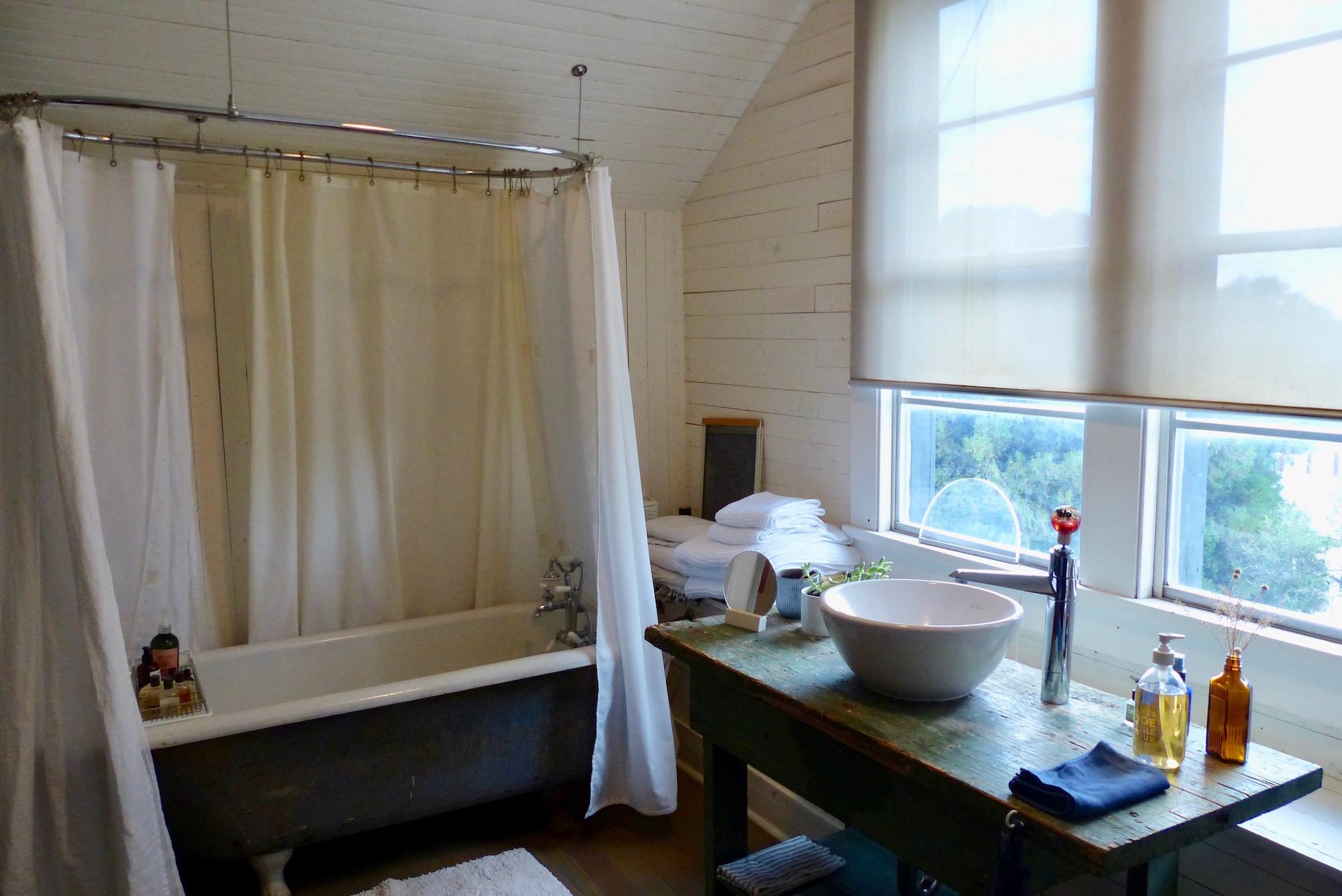 Bath:SinkUS.jpg