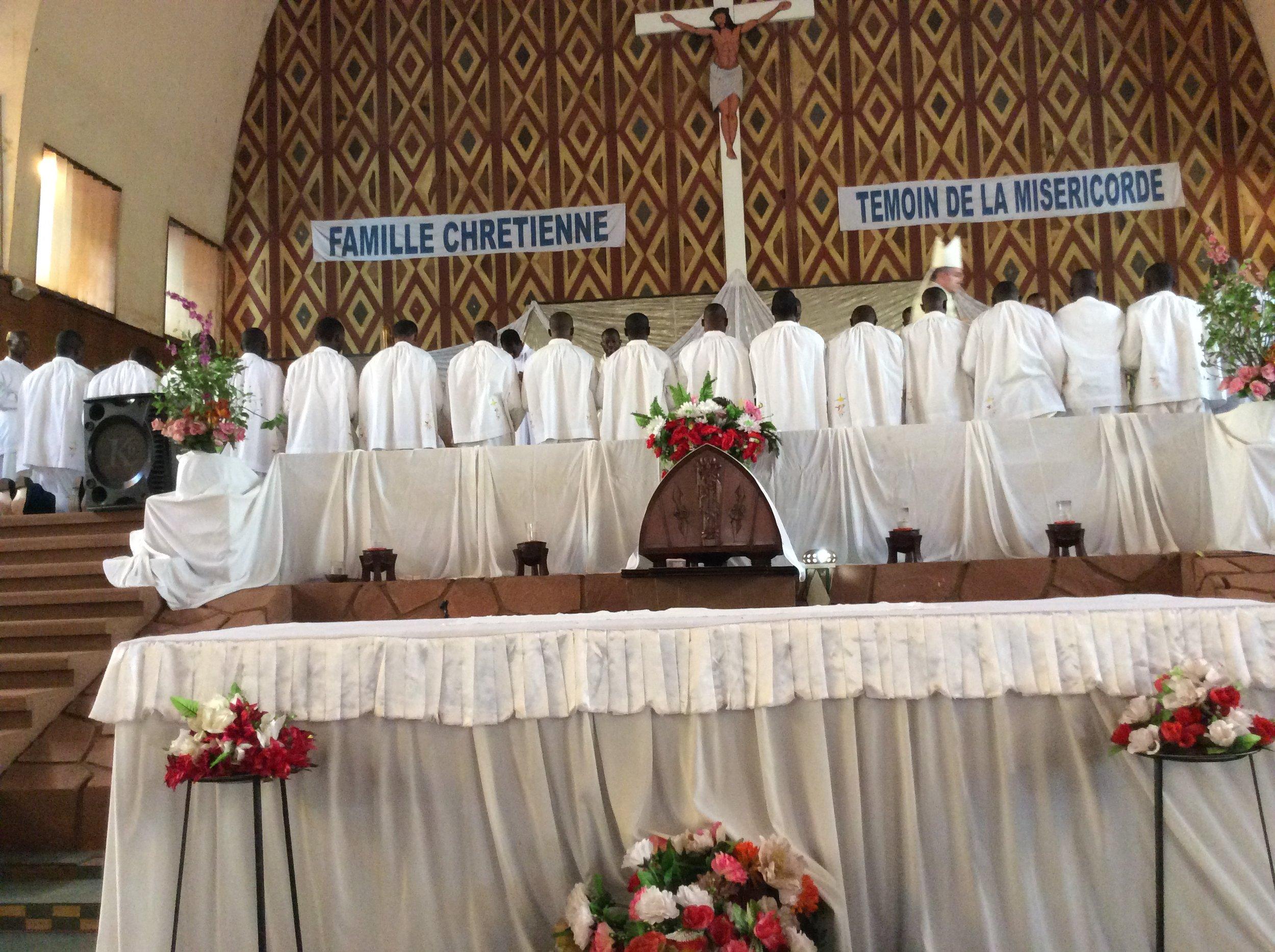 Ordination à la Cathédrale Notre Dame de Lourdes de Bobo-Dioulasso