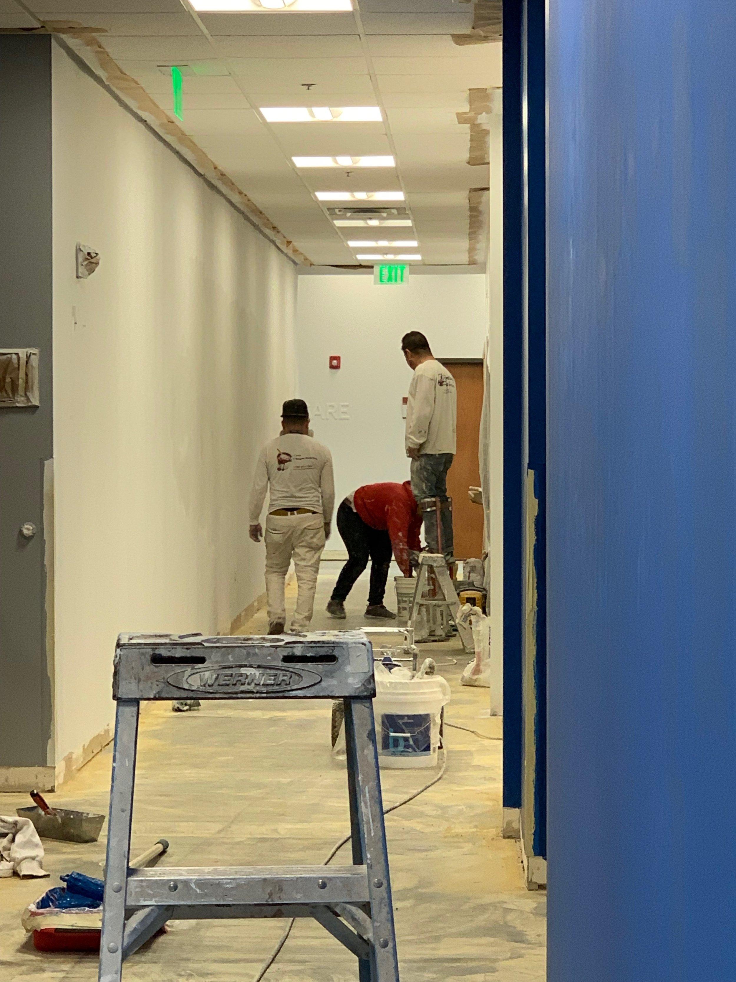 Medtronic prep hallway 4-27-19.JPG