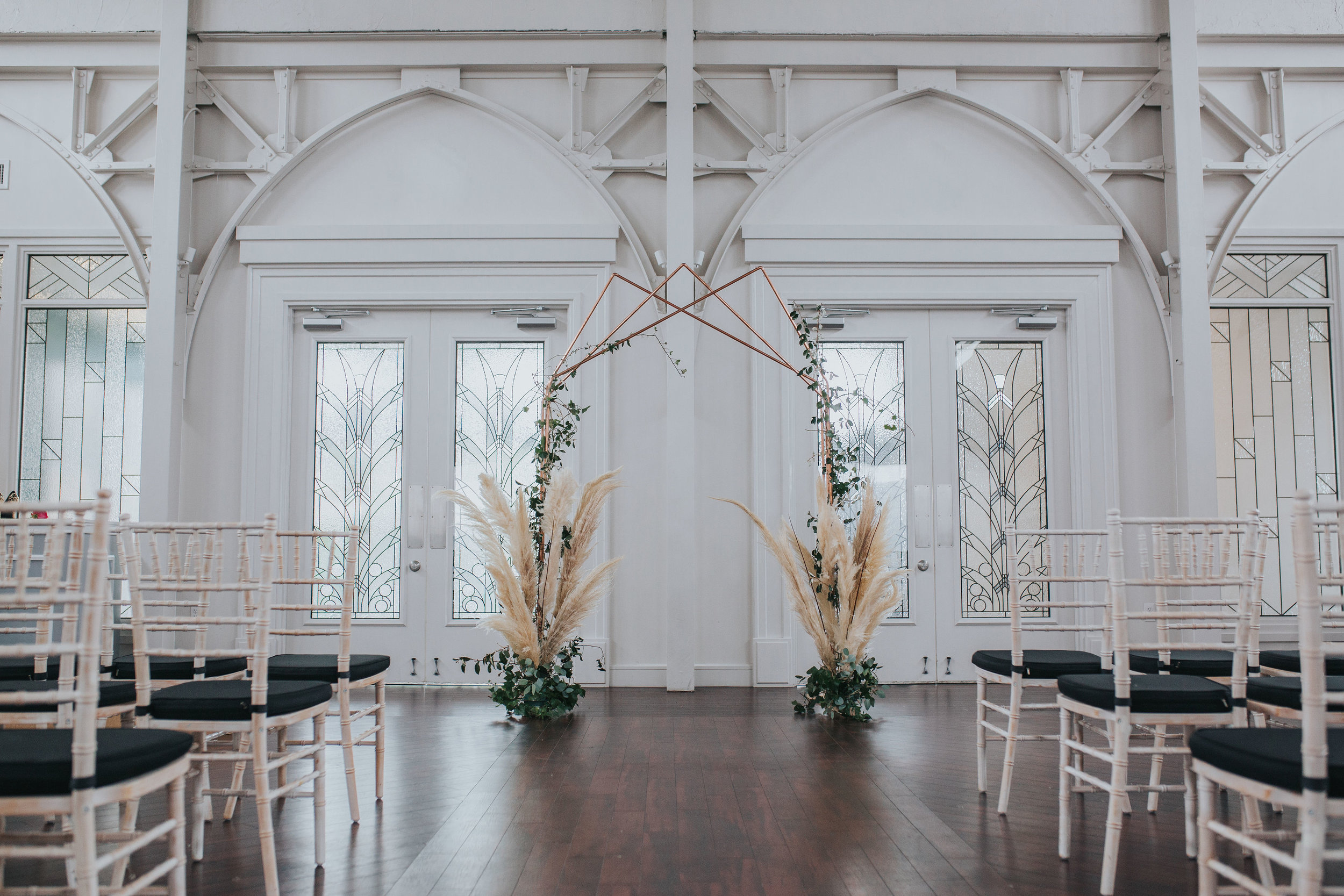 Memphis-Wedding-Planner-Wedding-Day-Manager-Florist-Wedding-Designer-Floral-Curator-Coordinator-Shelby-Renee-Photography-The-Atrium-At-Overton-Square