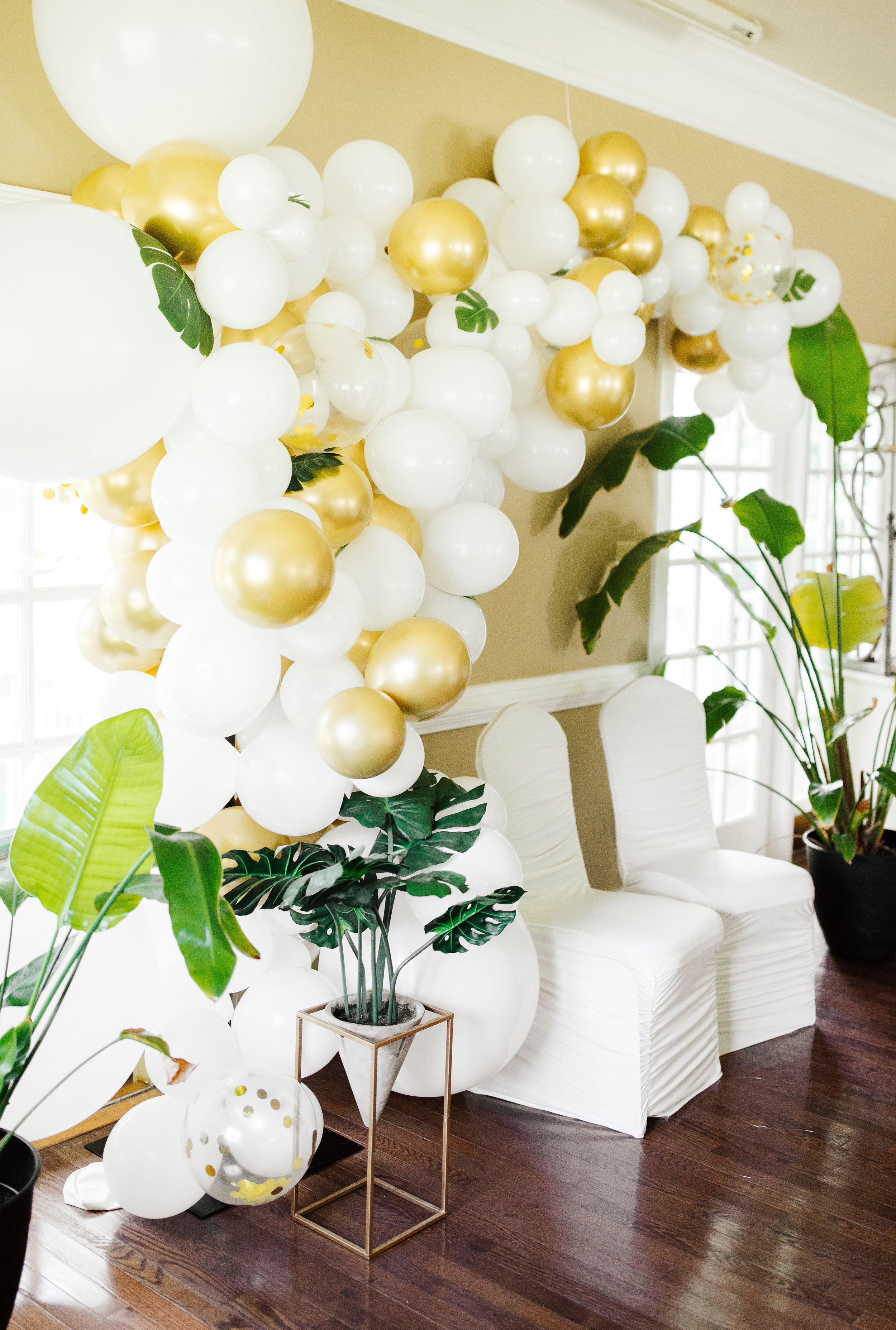 memphis-tennessee-wedding-planner-floral-designer-balloon-design-balloon-installation-bonne-terre-whit-photography