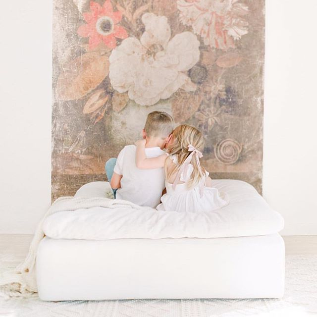 Oh, the things you can do in our studio. @kentavenuephotography have really transported our space into a dream! What a stunning family session!! - Photography @kentavenuephotography