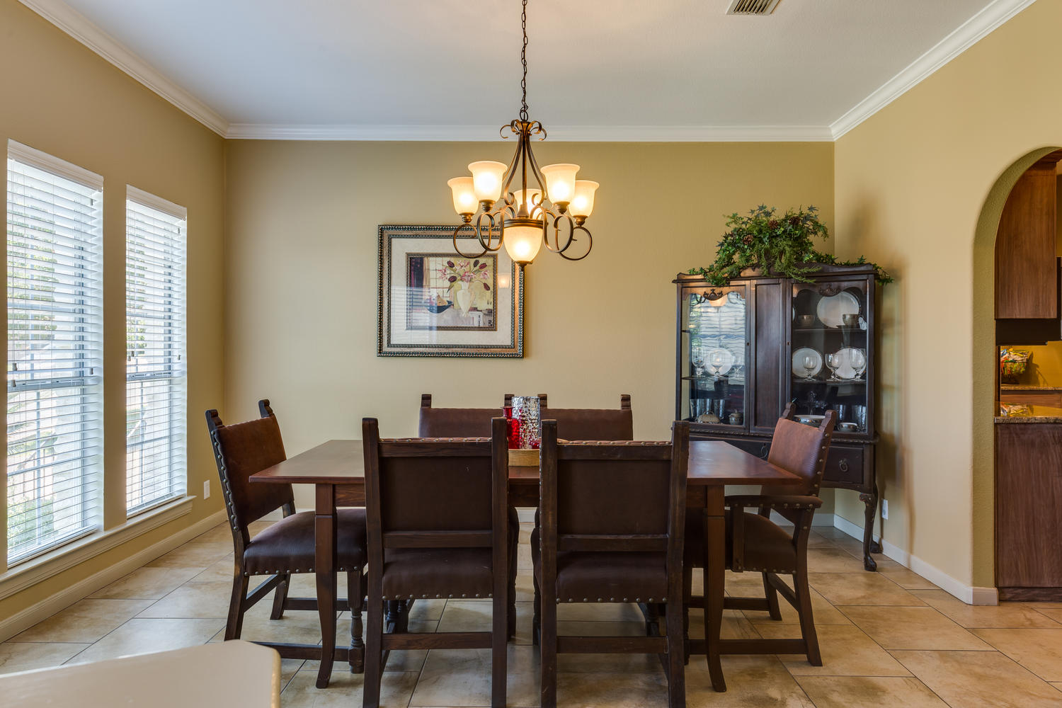 11 Birnam Wood San Antonio TX-large-007-9-Dining Room-1500x1000-72dpi copy.jpg