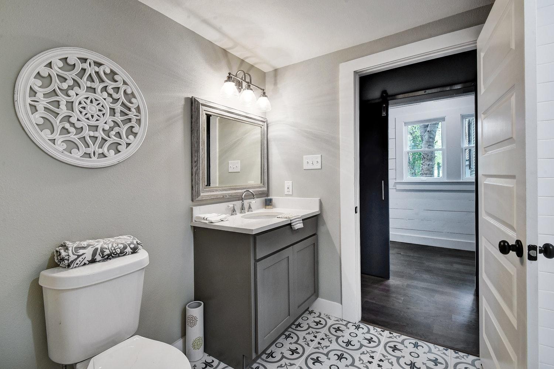 custom_1500_1000_Other Beds and Baths 004_6606991.jpg