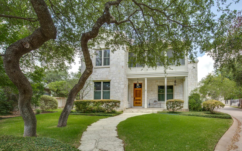 5 La Peninsula San Antonio TX-large-002-Family Room-1500x938-72dpi.jpg