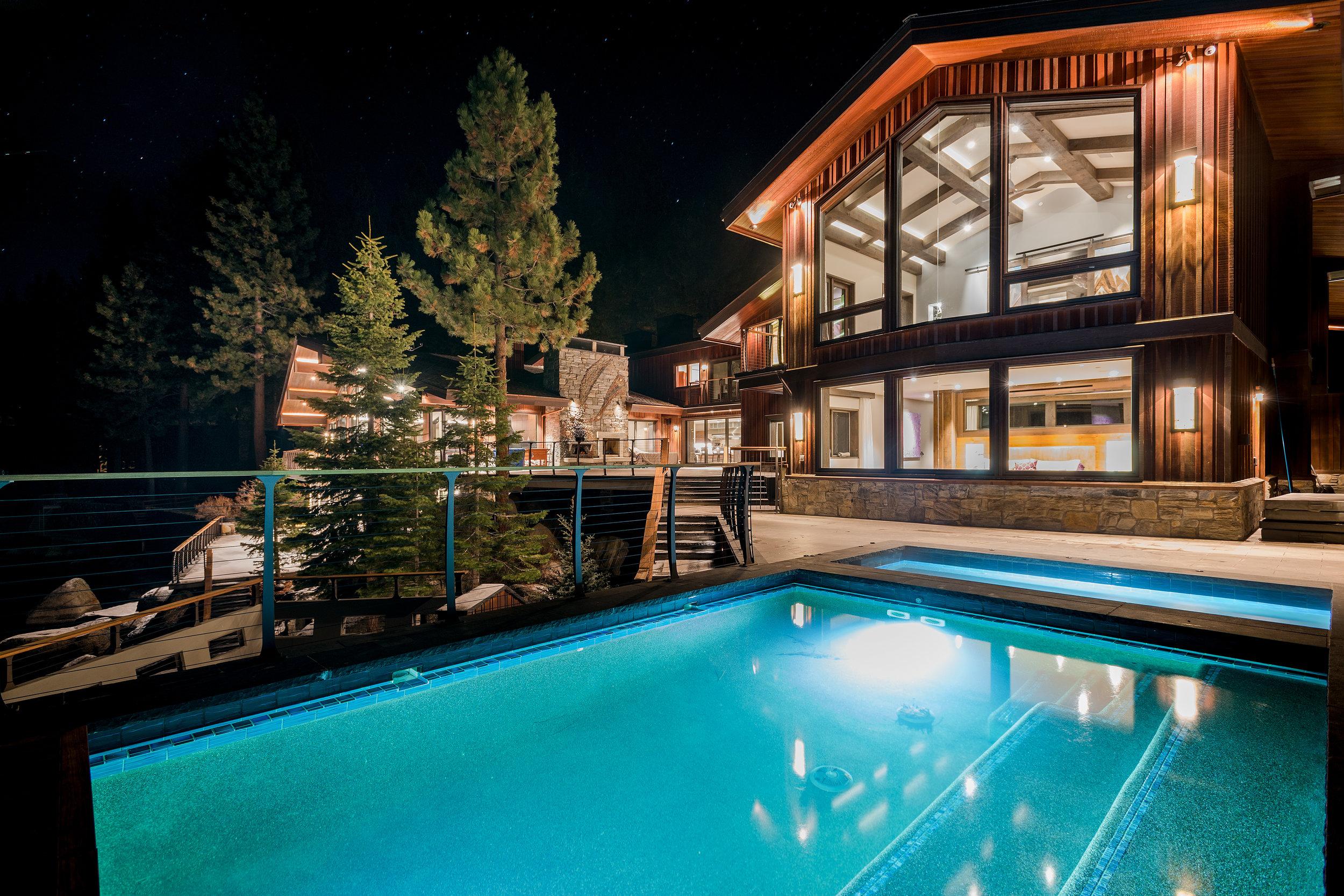 #2 PR Media  Villa_Harrah-pool _Anna_Shay_DSC4499.jpg