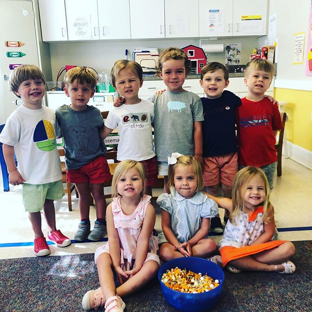 Our 3 year olds have been focusing on the importance of friends! They ended the week by making a Friendship Mix snack and painting puzzle pieces to complete their class puzzle!