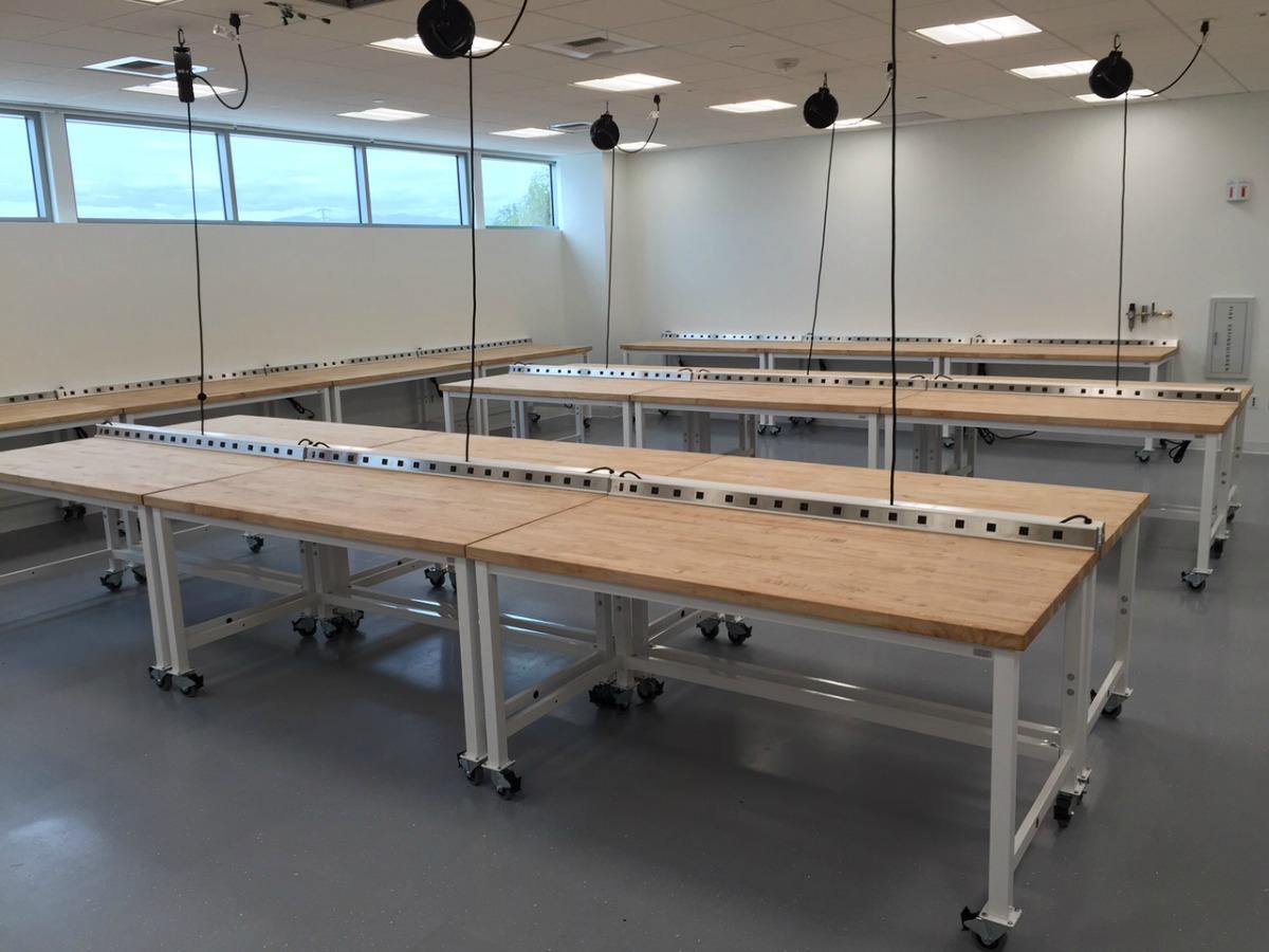 TablesWorkstations7.jpg