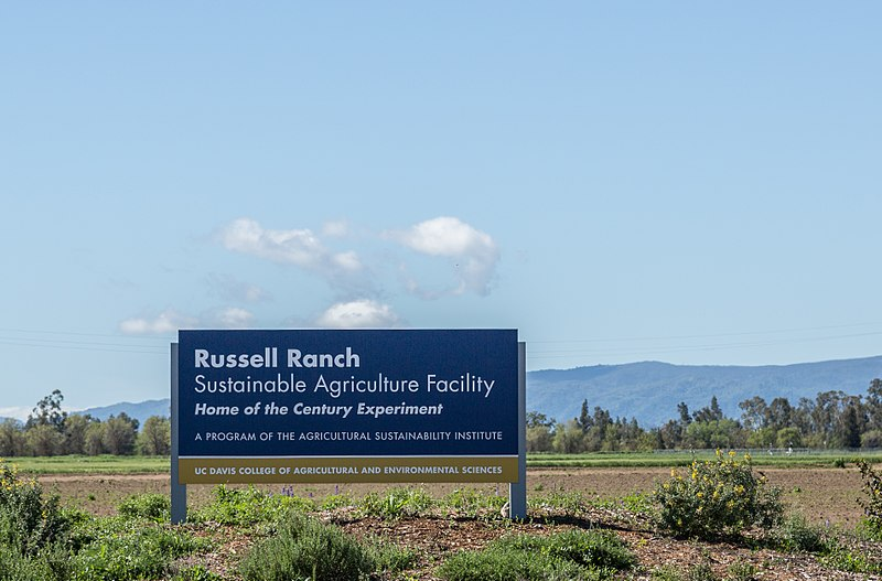 800px-Russell_Ranch,_UC_Davis_California_(32782685372).jpg