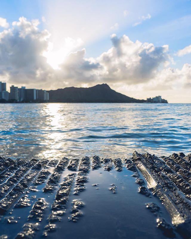 One of my favorite things about Hawaii was witnessing the amazing sunrises! 😎 • • • • • @honolulu_life  #RDxHI #nakedhawaii #hawaiistagtam #hawaiiunchained #HInews #luckywelivehonolulu #honolulu #hawaii #globeshotz #earth_shotz #earthporn #global_creatives #nakedplanet #bestvacations #earthpix #watchthisinstagood #timeoutsociety  #beautifuldestinations #Bay_Shooters #EnvisionTones #GramSlayers #ShotzDelight #DreamWorldImages #Way2ill #WildGrammers #WorldTones #theIMAGED #CreativeGrams #BayAreaPhotographer