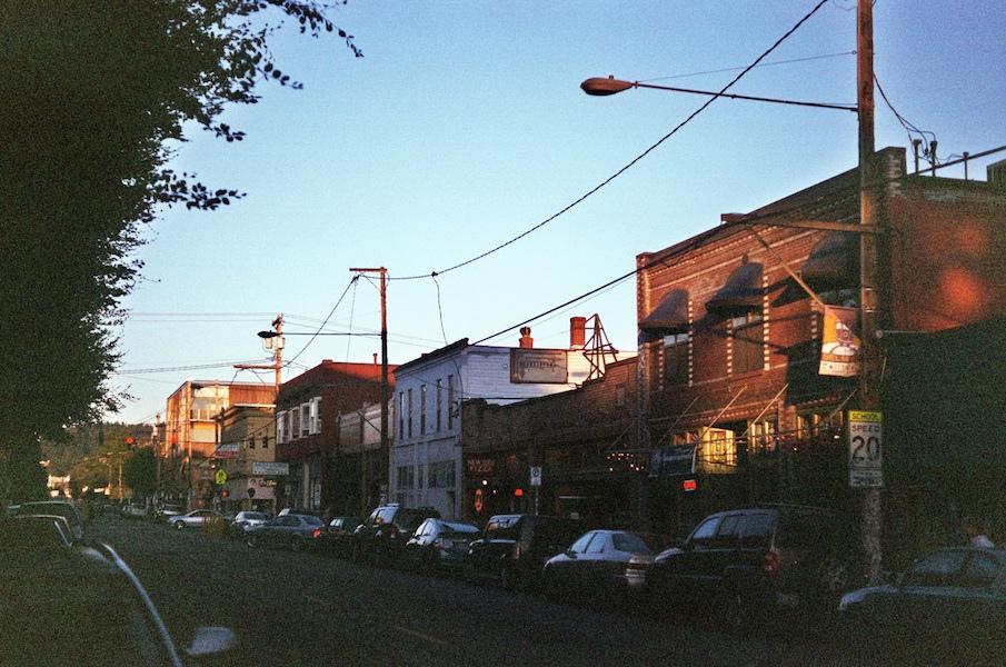 [Photo: Southeast Belmont Street. Credit:  kerosene rose .]