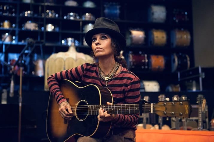 Linda Perry owns the first MotorAve guitar