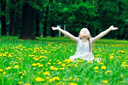 0512_happyspringgirl_rotator.jpg