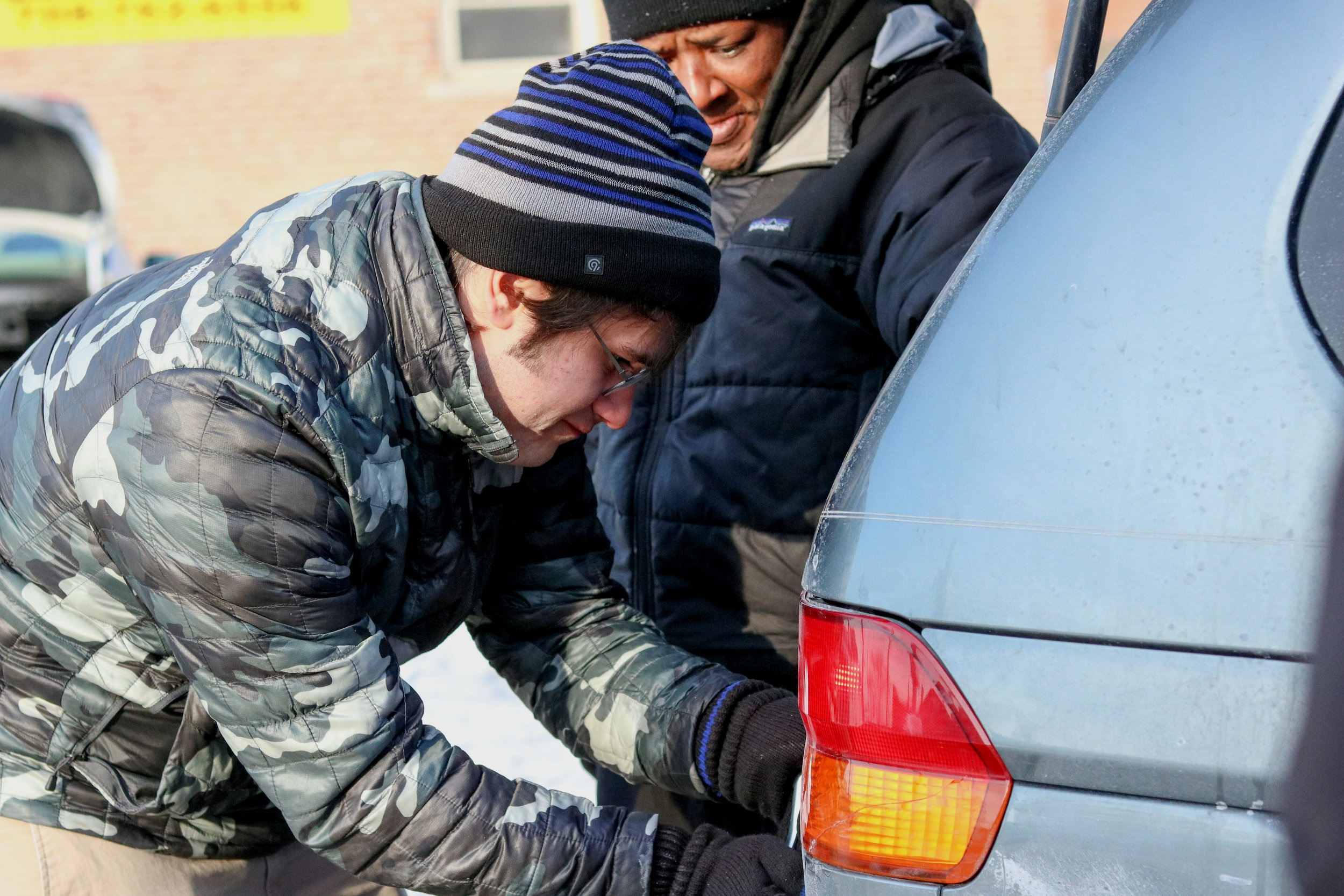 For three hours, volunteers withstood frigid temperatures to help make various repairs on community members vehicles.