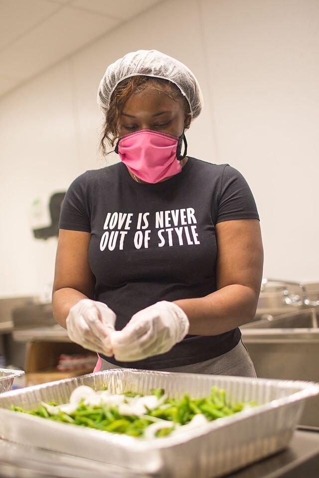Worker-owner Edrinna Bryant plans each week's menu (Source: ChiFresh Kitchen Facebook)