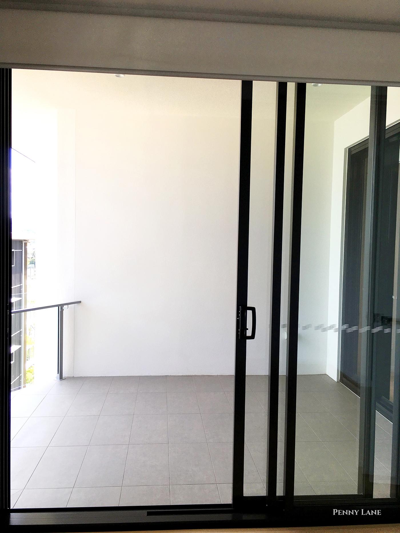 hires.1374-soko-balcony.jpg