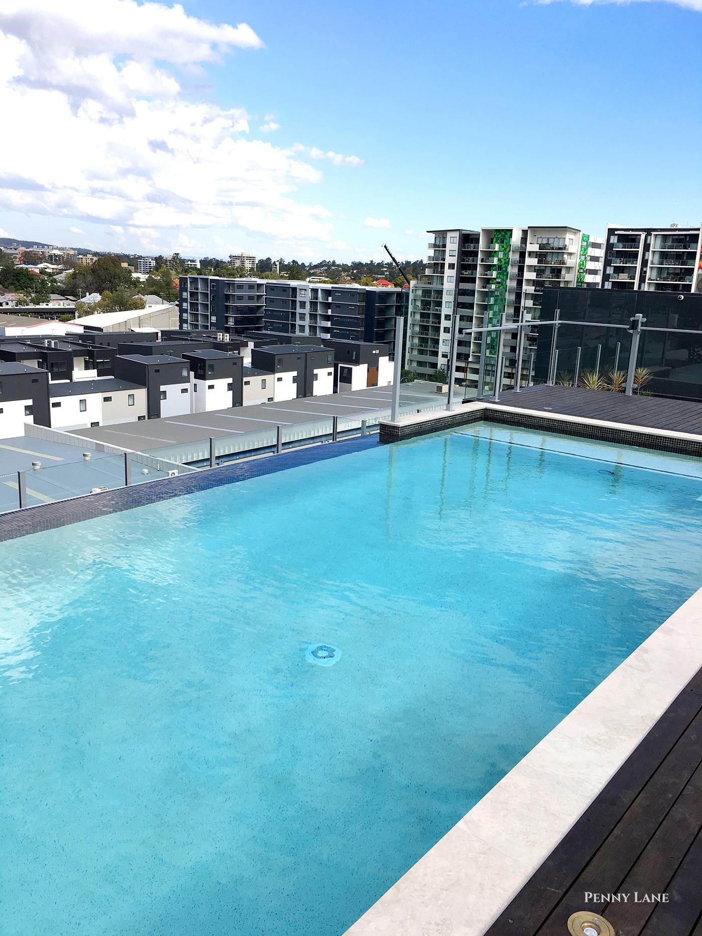 hires.2608-soko-swimming-pool.jpg