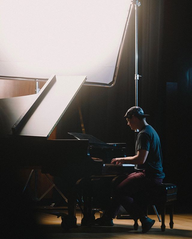 Taylor: A+ person, C- piano player  A little BTS look at a music video we have in the works  #film #musicvideobts #arri #setlife #imonset #video #musicvideo #cinema #cinematography #filmmaker #director#DoP #woodencamera #dji #lighting #smallhd #camera #sony #arri #canon #reddigital #anamorphic #R3d #steadicam #alexa #helium #8k #gaffer #charlottenc #dslr #videoediting