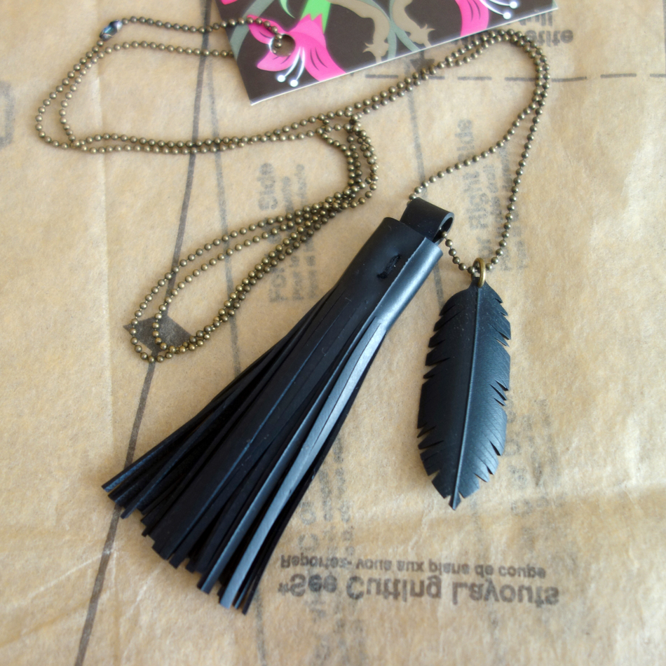 tassel necklace fine brass.jpeg
