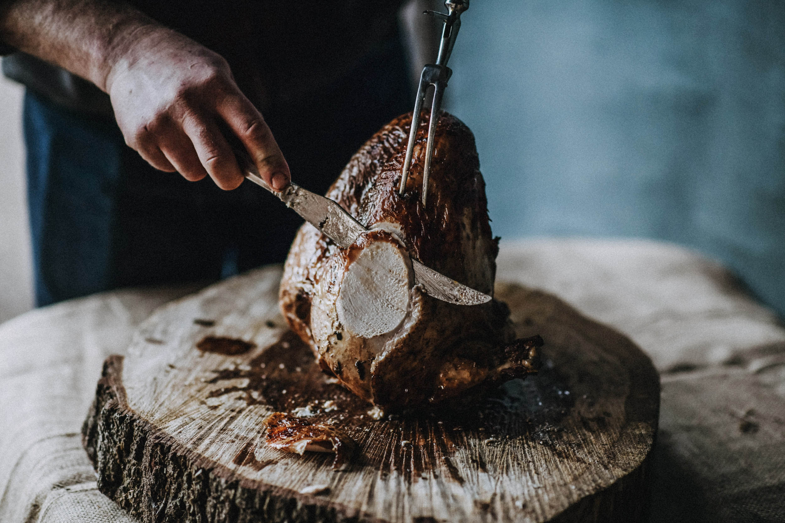 How-to-cook-a-Bramble-farm-free-range-turkey-crown-carving