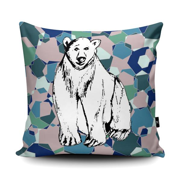 GEO POLAR BEAR Wraptious Cushion Competition Entry