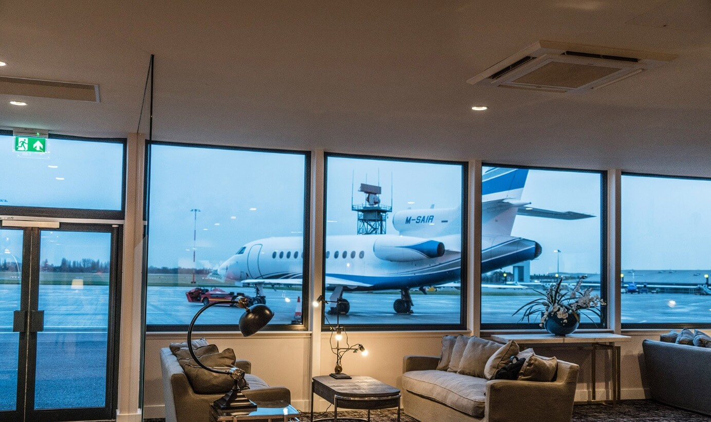 stobart_southend_airport_london_private_jet_charter_superFLY_06.jpg
