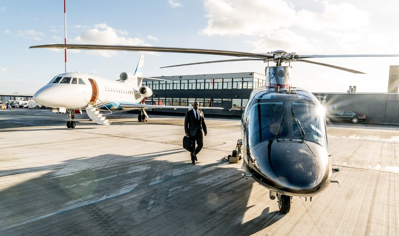 Helicopter transfers to and from Canary Wharf or Battersea Heliport, with passengers able to reach central London in approx.10 minutes