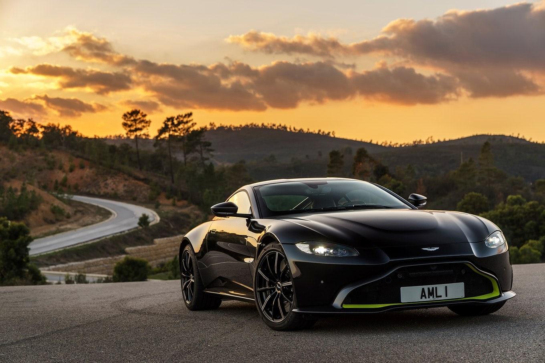 Aston Martin Vantage 3 - superFLY-min.jpg