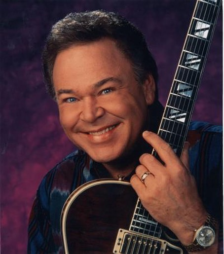 RIP Roy Clark -Enjoy some pickin' and grinnin' with all the other greats who have gone before. . #rip #royclark #pickinandgrinnin #greatguitarplayer