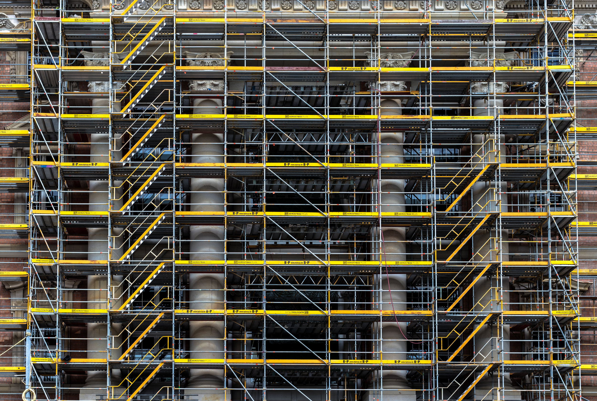 ARCHItECTURE & CONSTRUCTION -