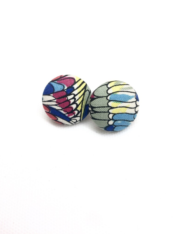 PATTERNED BUTTON EARRINGS
