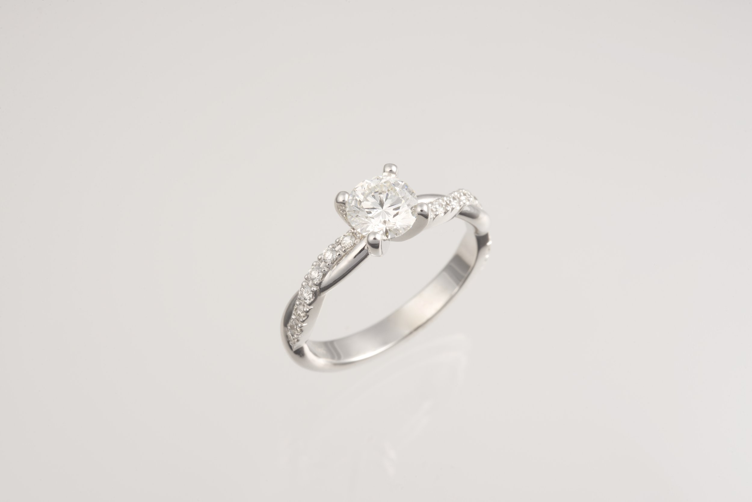Our engagement ring, that exceeded our wildest dreams! Thank you, An!
