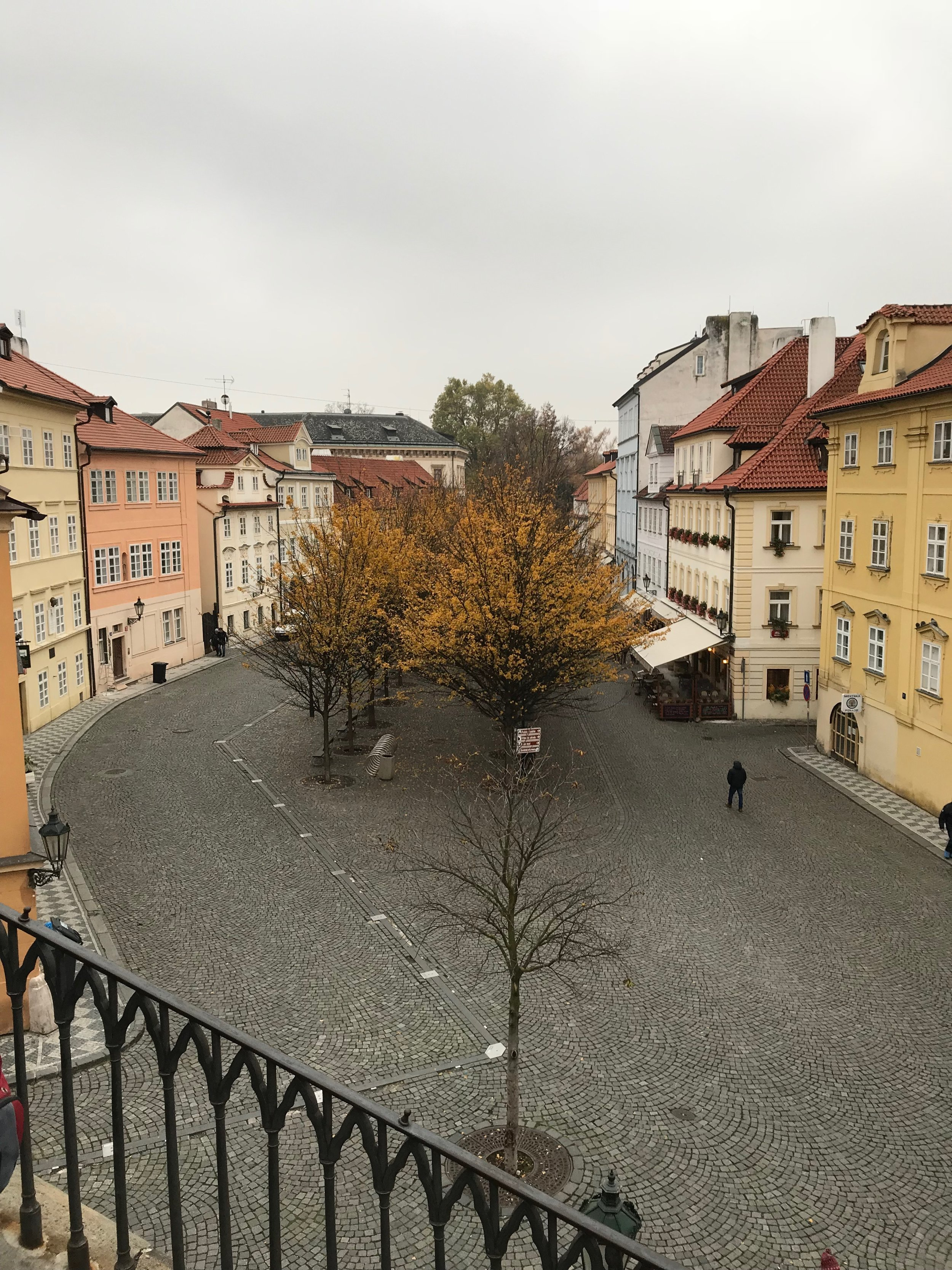 If autumn in Prague is this lovely, i cannot imagine the spring