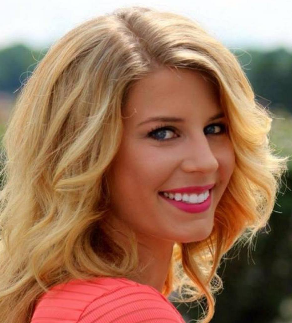 Stephanie Zwolenik - Studio 122440-223-3231szwolenik@aol.com
