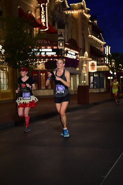 WDWRUNDISNEY_WDWMARACOURSEACTION2_20180225_8188750022.jpg