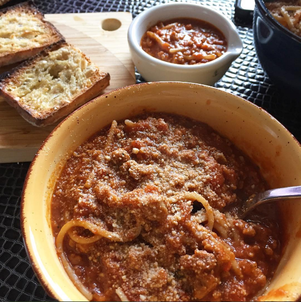 spaghetti bolognese with gardein beefless crumbles