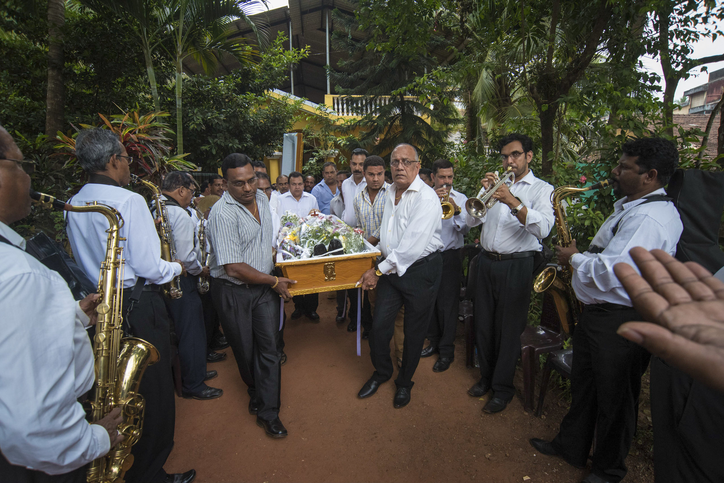 At the funeral of Caetano Braganza, Merces.