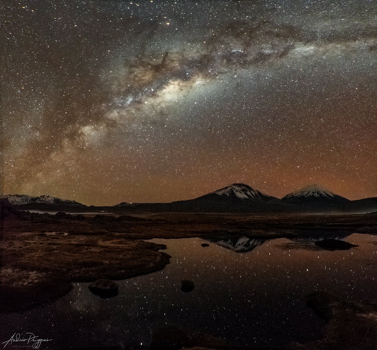 "Panorama de 9 tomas horizontales, tomada a las 20:01, f/4, 30"", ISO 6400, 10 mm DX."