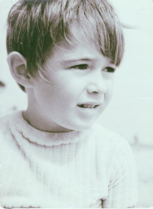 Anneke age 4.jpeg
