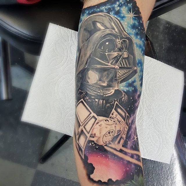 Progress work #starwars #darthvader #tattoo part healed part fresh #heavydutytattoo #ogdentattoos #brandonlewismachines #utahtattoos #starwarstattoo #ogden #utah #darthvadertattoo #tattoos #saltlakecitytattooconvention #tvtattooconvention #nationaltattooconvention #scottrichardsontattoos