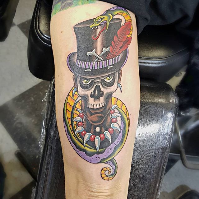 Fun one I got to sketch up and #tattoo for the other side of her arm #voodooman #heavydutytattoo #ogden #utahtattoos #brandonlewismachines #ogdentattoos #voodootattoo #tattooedgirls #utah #voodoowitchdoctor #tattoos #witchdoctortattoo #scottrichardsontattoos