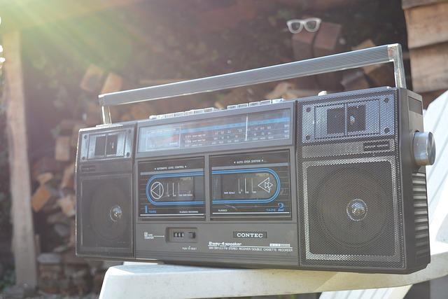 radio-in-africa.jpg