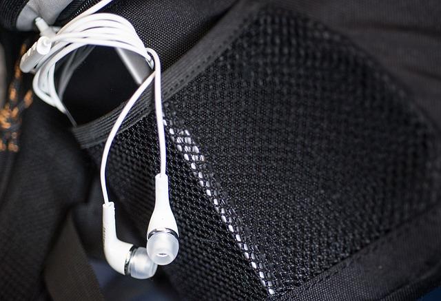 earphones-podcasts.jpg