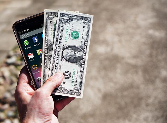mobile-phone-money.jpg