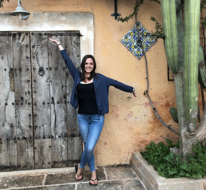 Katja Schendel  hat 2017 ihre Leidenschaft, Menschen auf ihrem Weg zu begleiten, zum Beruf gemacht. Als Life Coach, Yogalehrerin und Bodyworks Therapist ist es ihre Intention physisches, mentales und seelisches Wohlbefinden für alle zugänglich zu machen. Sie unterstützt dich dabei, gemeinsam mit Leichtigkeit und Freude Lösungen für deine aktuellen Themen zu erschaffen. In ihrem Podcast SanftMut findest du Anregungen, um Mindfulness zu trainieren und den Kick Energie und Mut, um erfüllt durchzustarten. Powervoll heißt eben nicht nur tough und rational, sondern vor allem auch sanft, liebevoll und entspannt.