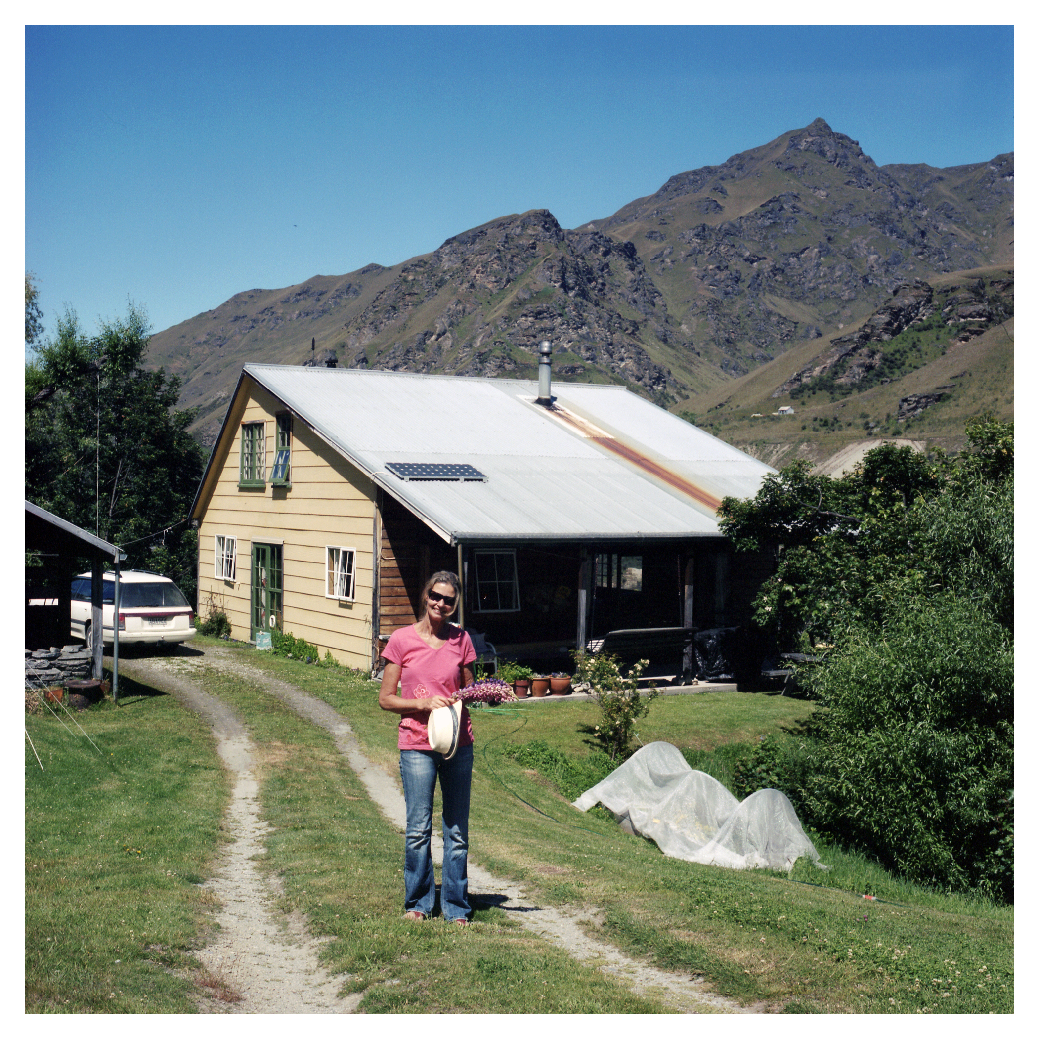 Living in one of the few houses on Skippers Road is Jayne Schieb, our host & guide to the canyon.  Jayne has lived in the canyon for over 20 years and knows it inside and out.  To escape the harsh winters in the canyon, Jane heads up her small business whisking eager Kiwi's off to the Greek islands to enjoy a second summer.