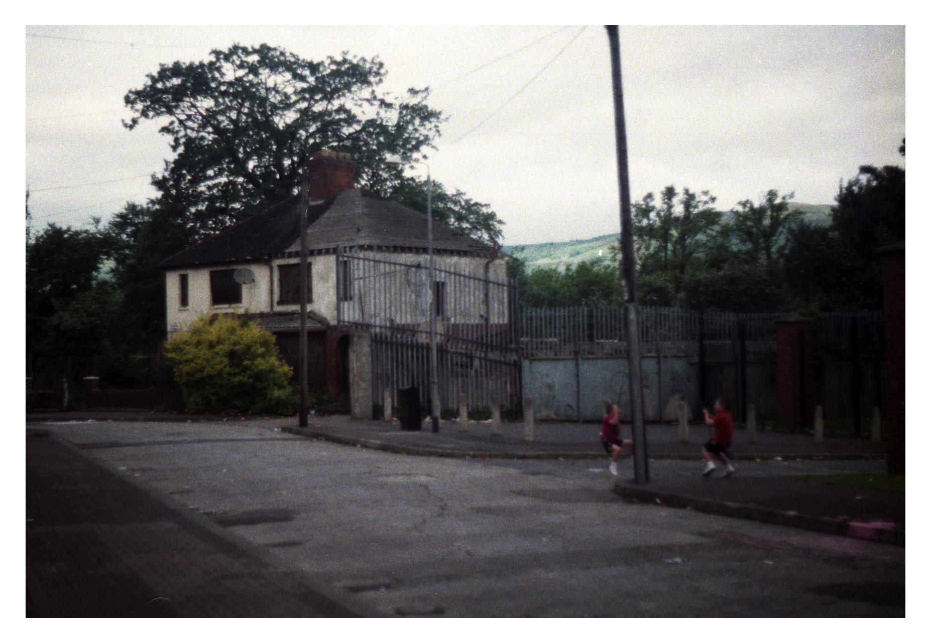 LimestoneRoad_BelfastSwing_Kids_bdr.jpg