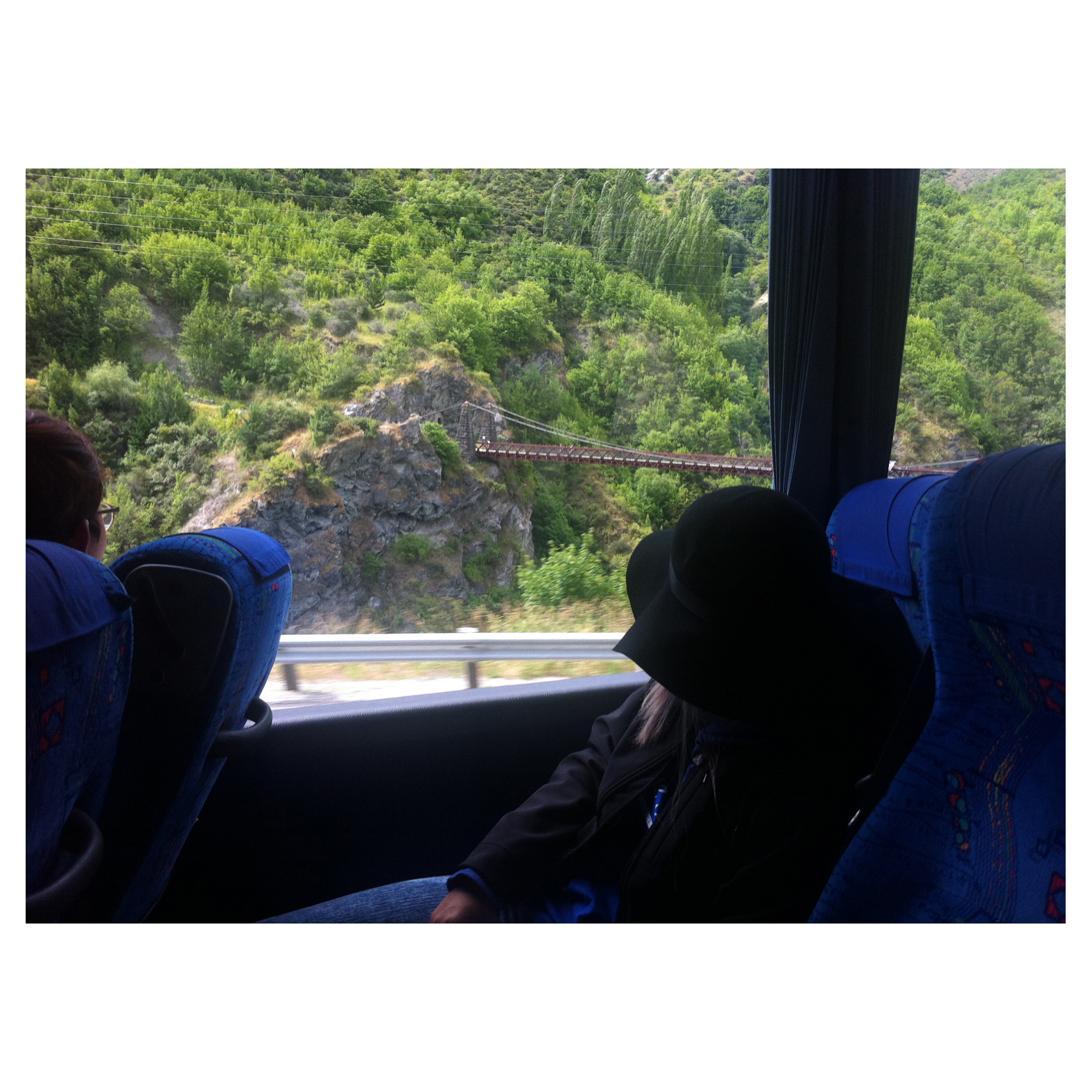 InterCity_Wanaka_to_Queenstown_Aotearoa_NewZealand_Wee.jpg