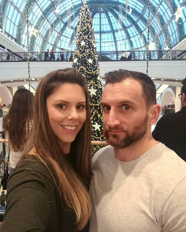 Christmas shopping at Mall of the Emirates last weekend with a very intense looking hubby 😂  I love how all the malls are super festive at this time of year and some of the decorations are just so amazing 😍  #health #fitness #gym #workout #gymjunkie #fitfam #focus #goals #motivation #inspiration #fitspo #quoteoftheday #personaltrainer #weightlossjourney #transformation #12weektransformation #healthylifestyle #balance #functionaltraining #bodybuilding #confidence #dubai #dxbfitness #dubaipt #dubaipersonaltrainer #nutrition #bethebestversionofyourself #difc #jetfitness @whitedressworkout @thefoundation.pts
